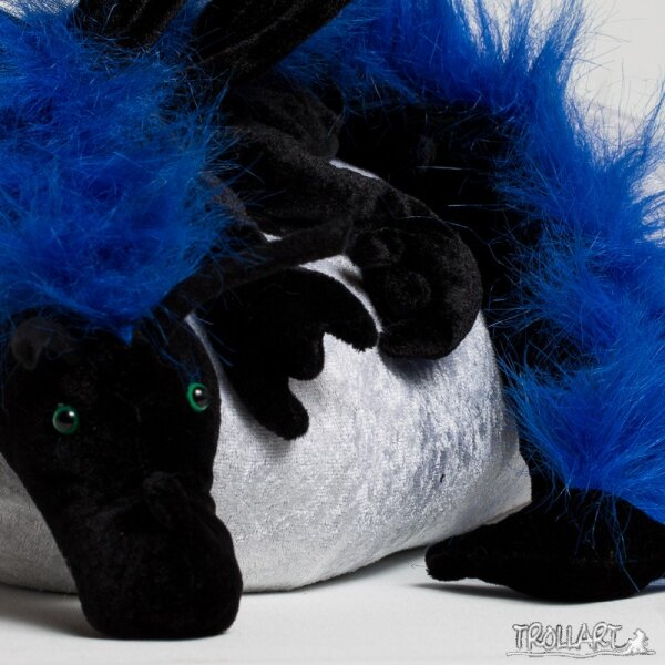 Shoulder dragon XXL, black with a blue plushy crest