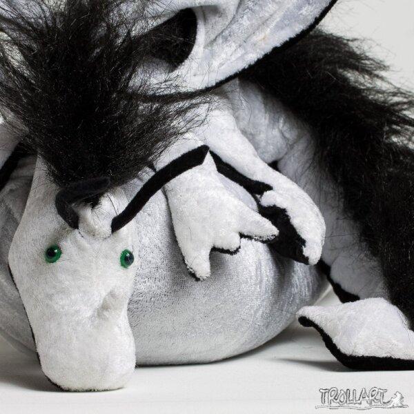 Shoulder dragon XXL, white with black plushy crest, green eyes