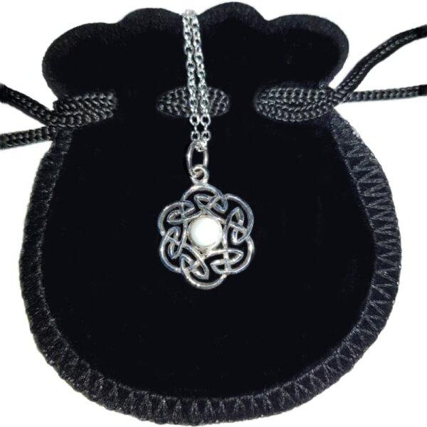 Keltischer Knoten Anh. Perlmutt, Silber 925, inkl. Kette