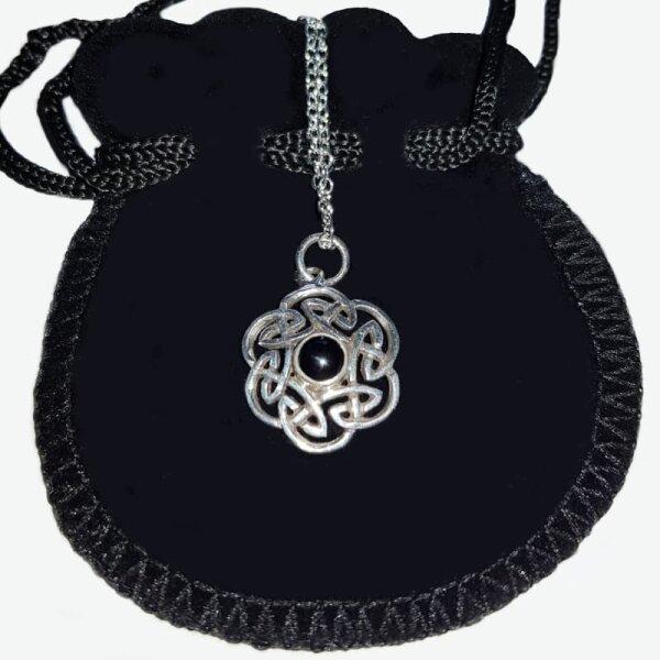 Keltischer Knoten m. Onyx, Silber 925, inkl. Kette